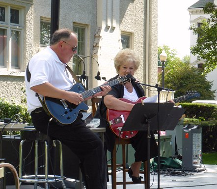 Zelda Cornwell and Chris Pierce at Applefest 2015