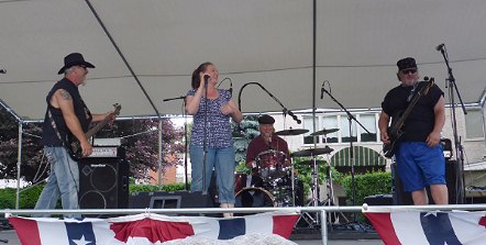 The Metros Perform at Entertainment Under the Stars, 7/14/2015
